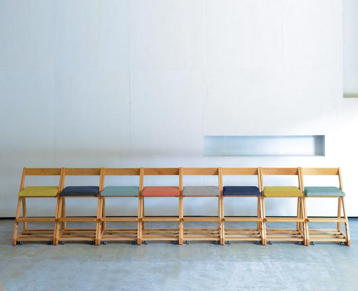座面が5色から選べる学習椅子