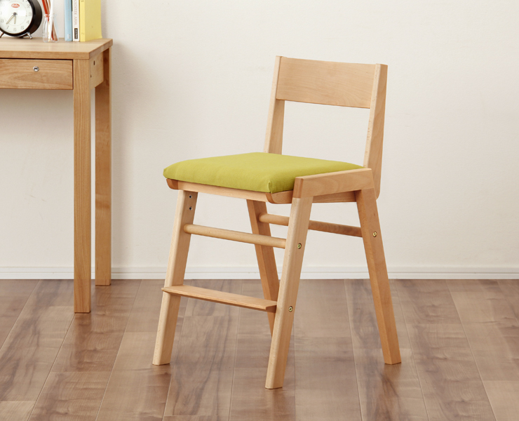 ビーチ材の学習椅子